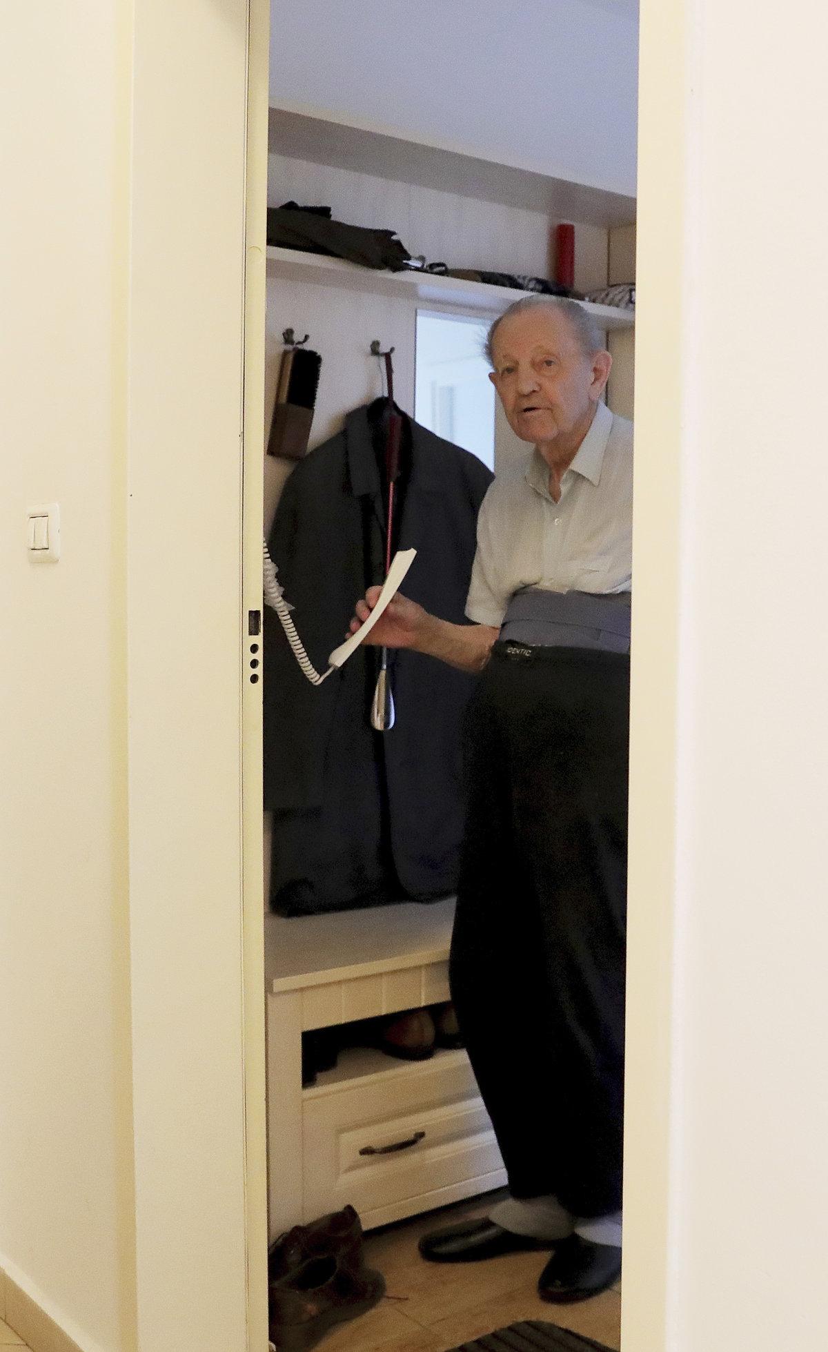 Milouš Jakeš (95): Upadl jsem doma!
