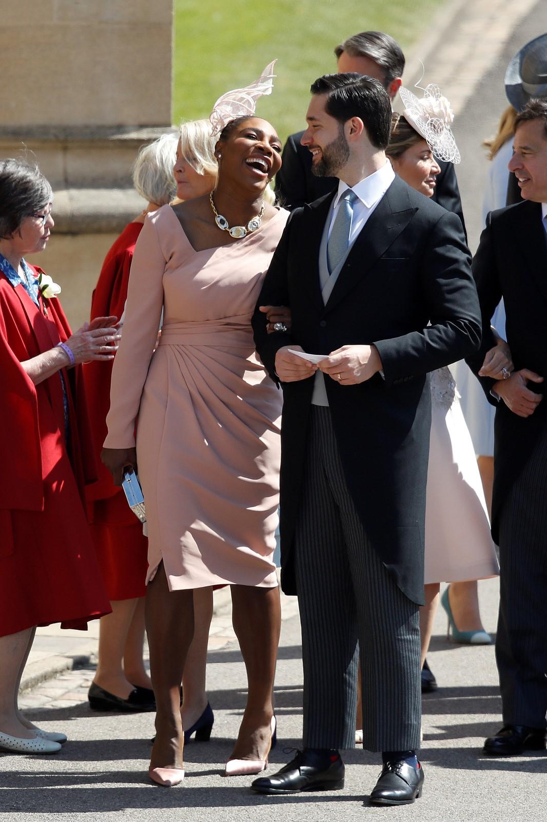 Serena s manželem Alexisem na královské svatbě