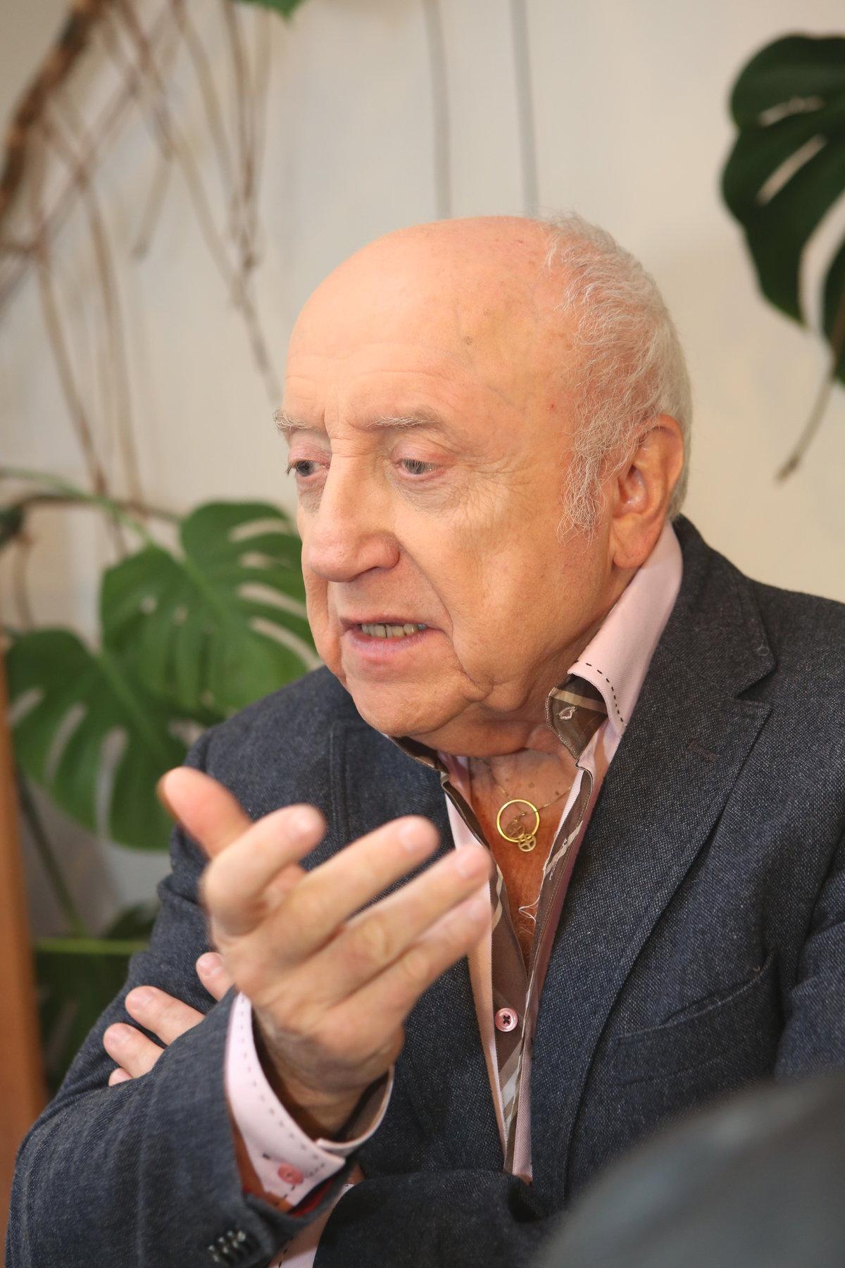 Manžel Felix Slováček.