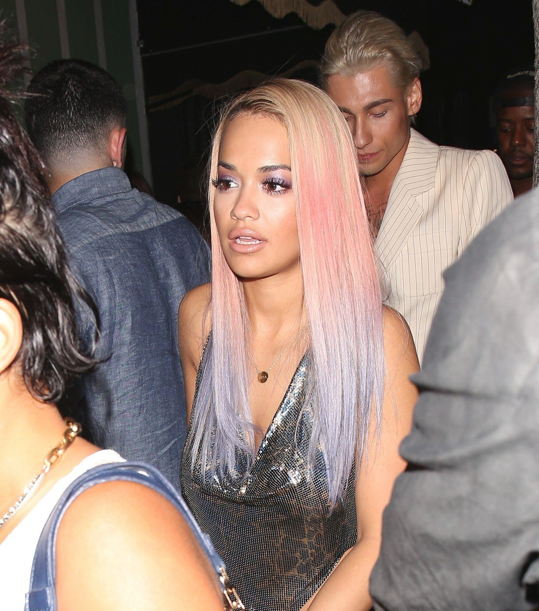 Rita Ora a její vlasové proměny