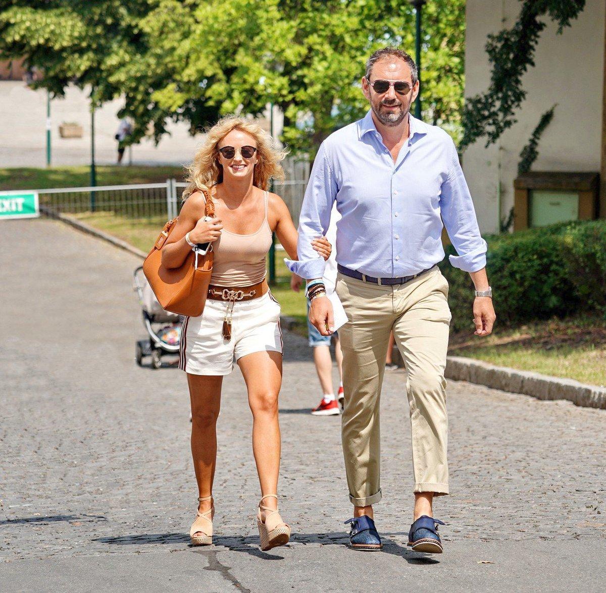Lucie Hunčárová a Emanuele Ridi na výstavě aut