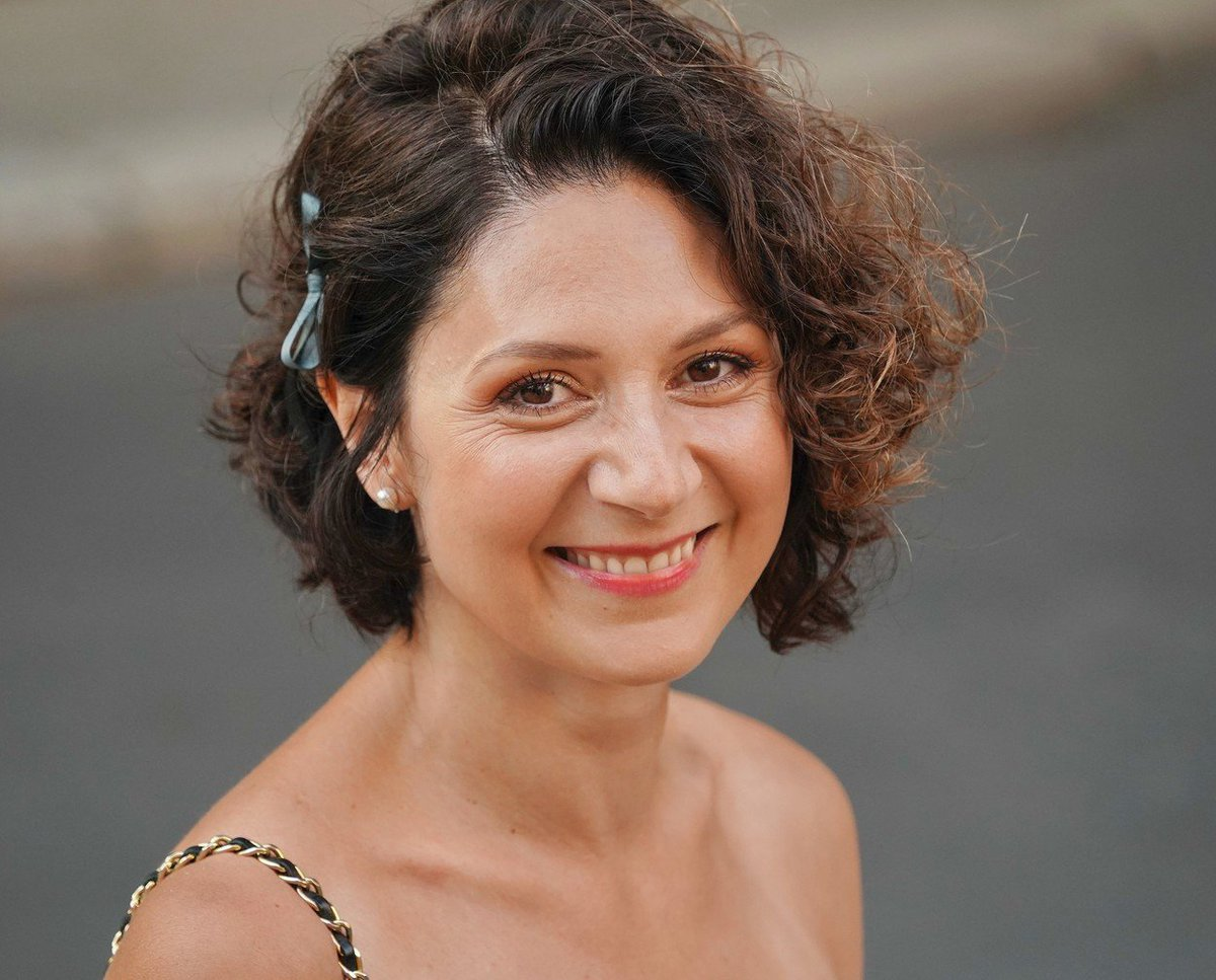 Watch Martha Issova video