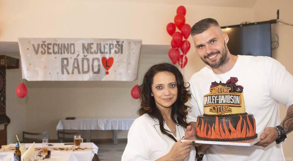 Lucie Bílá a Radek Filipi na jeho oslavě narozenin