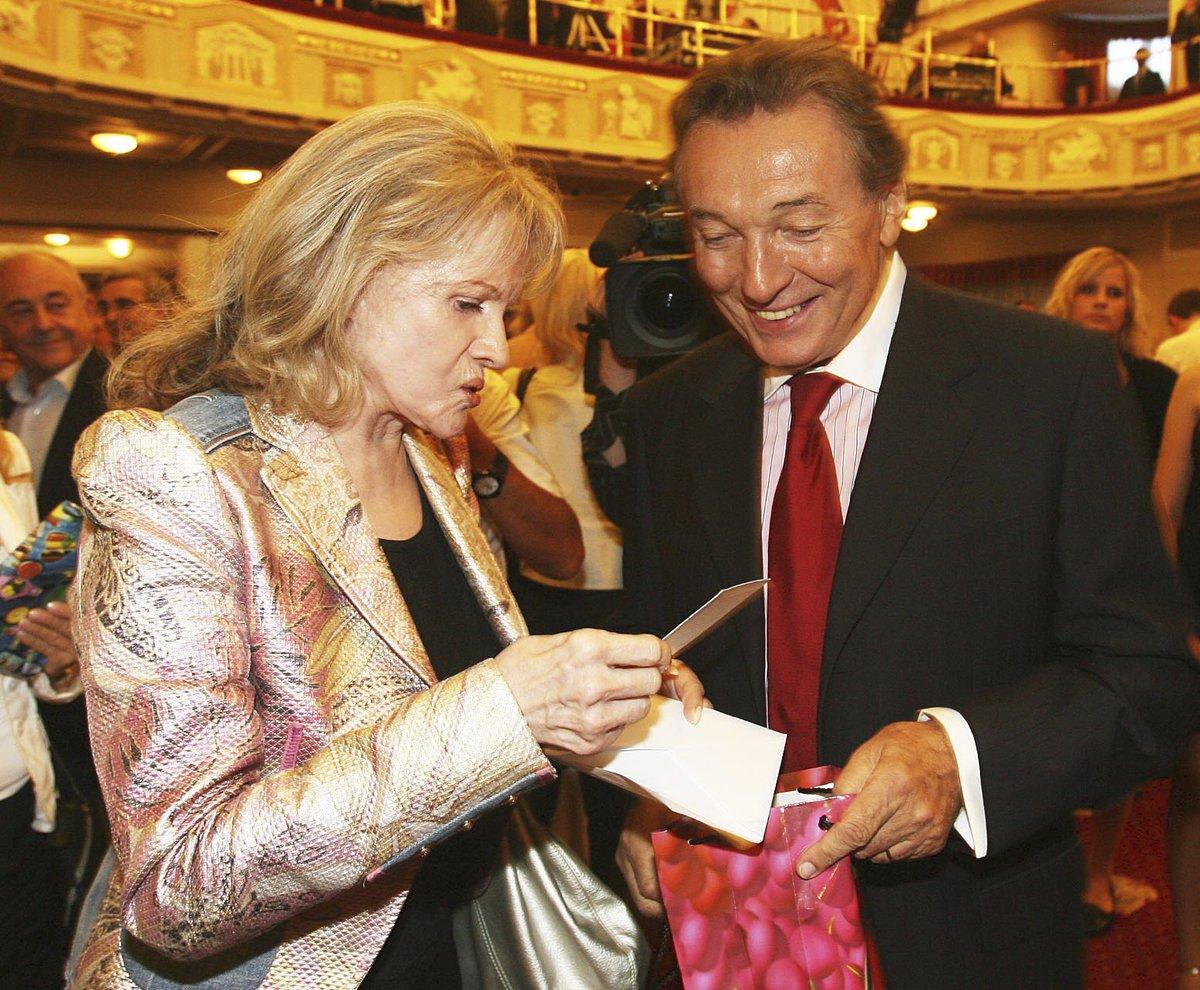 Eva Pilarová na mejdanu k 70. narozeninách Karla Gotta