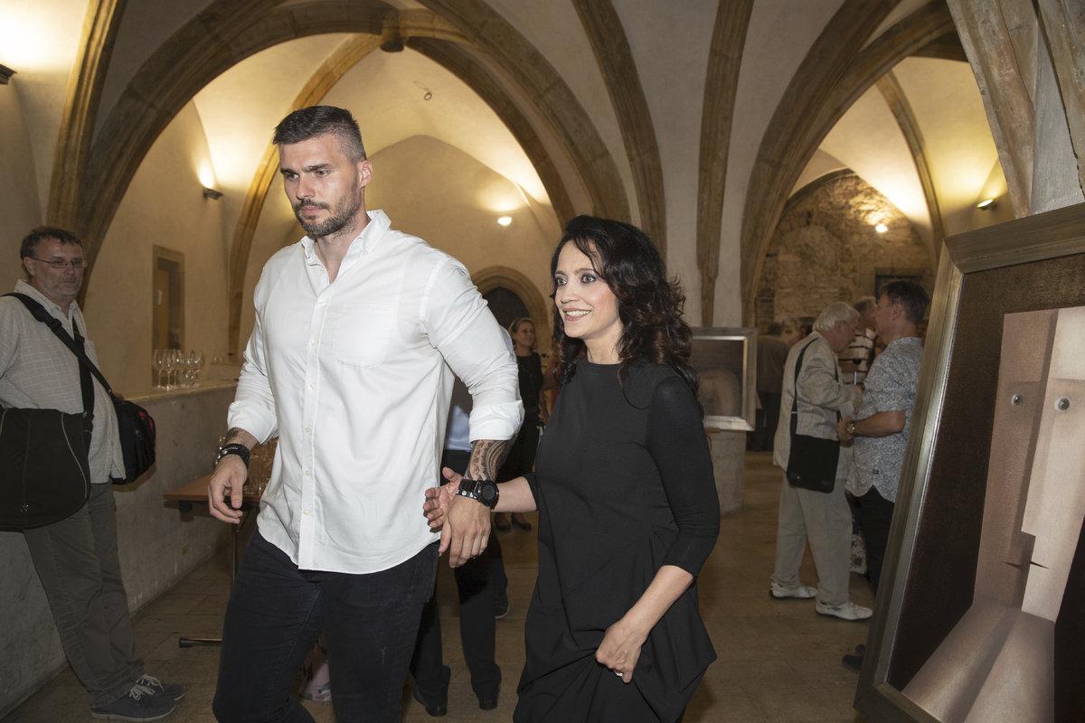 Lucie Bílá a Radek Filipi se drželi za ruce