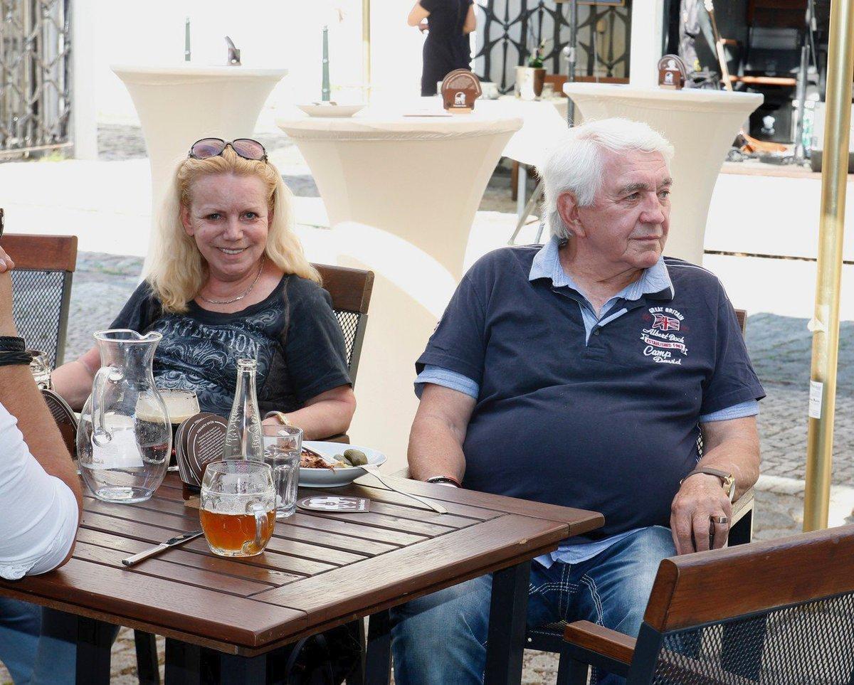 Manželé Krampolovi na slavnostním otevření pivovaru