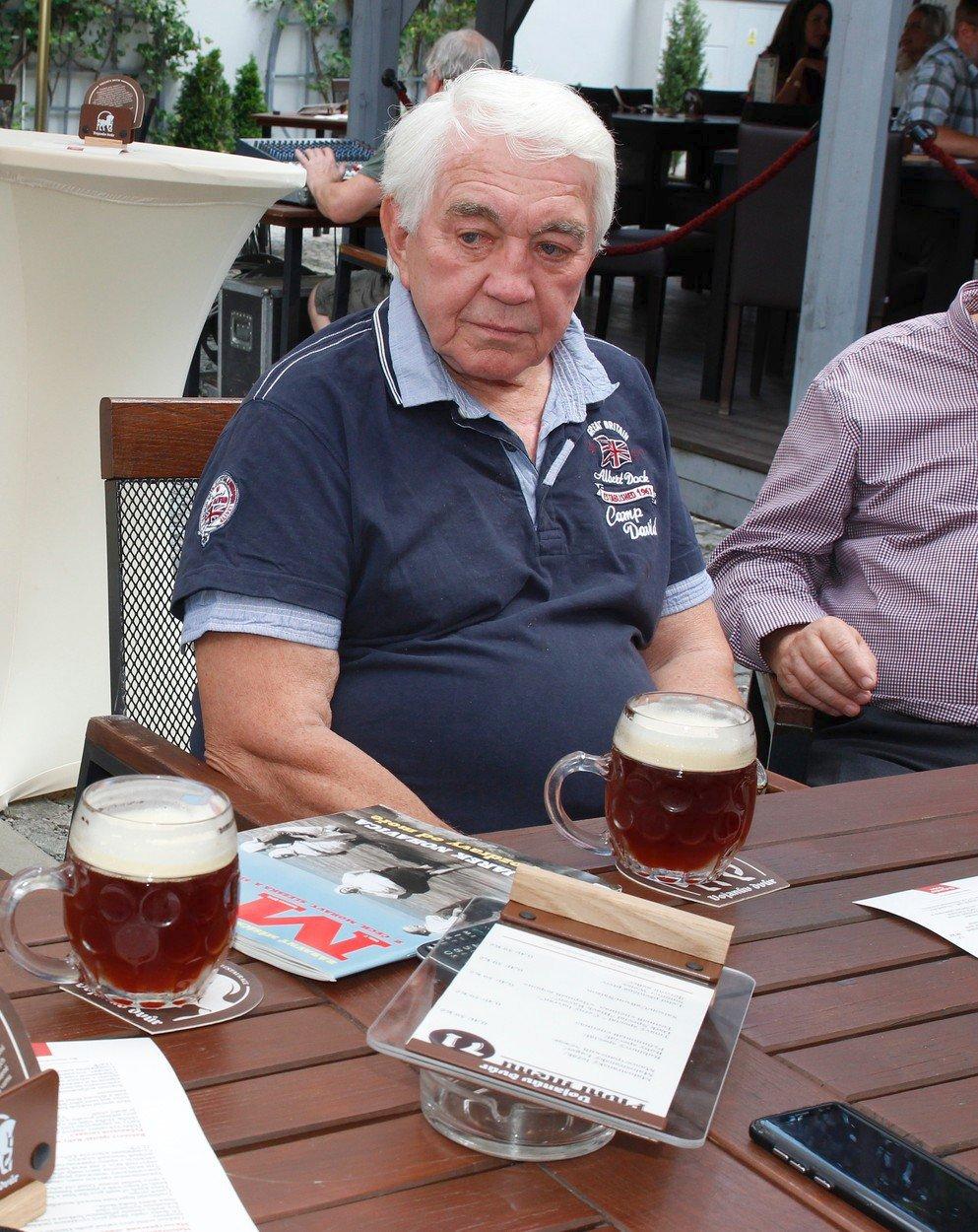 Jiří Krampol na slavnostním otevření pivovaru