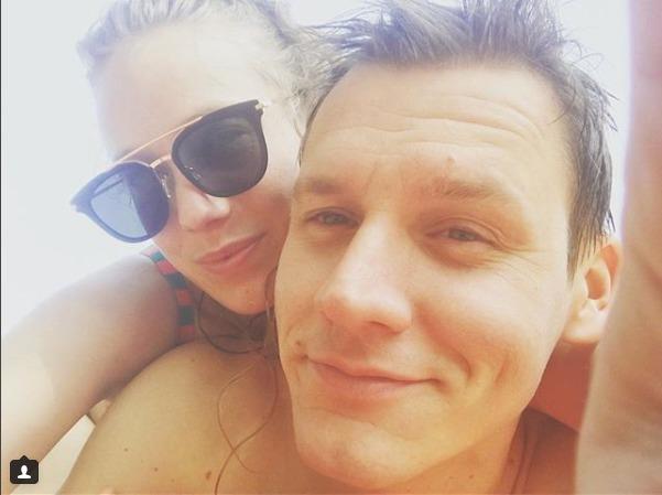 Se snoubencem Ondřejem, který ji požádal o ruku loni.