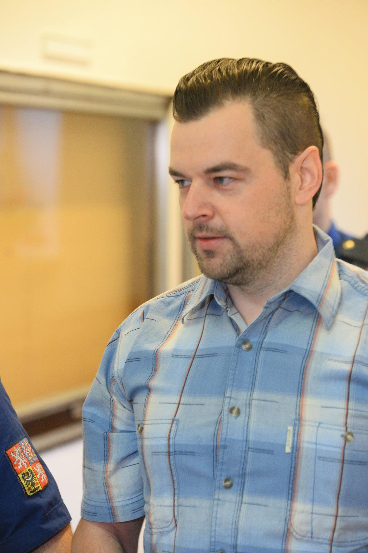 Petr Kramný si odpykává 28 let ve vězení.