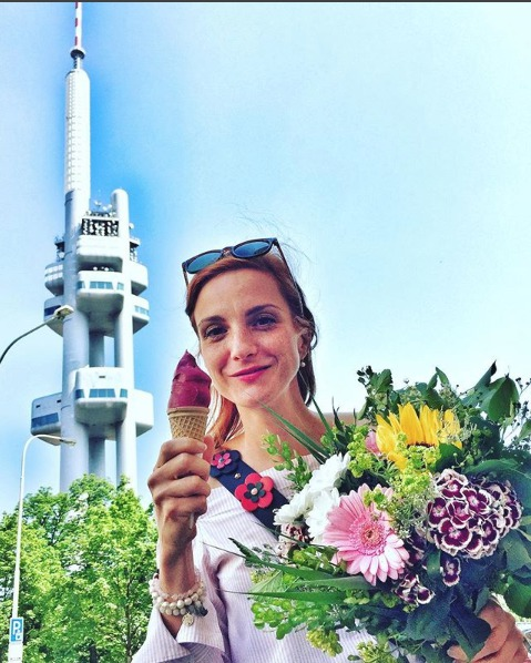 Míša Maurerová má ráda zmrzlinu.