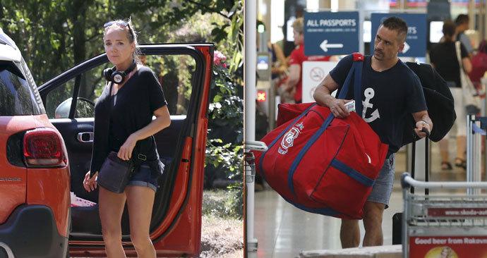 Den po rozchodu: Uplakaná Vondráčková zamířila k rodičům, Plekanec v tichosti odletěl do Kanady.