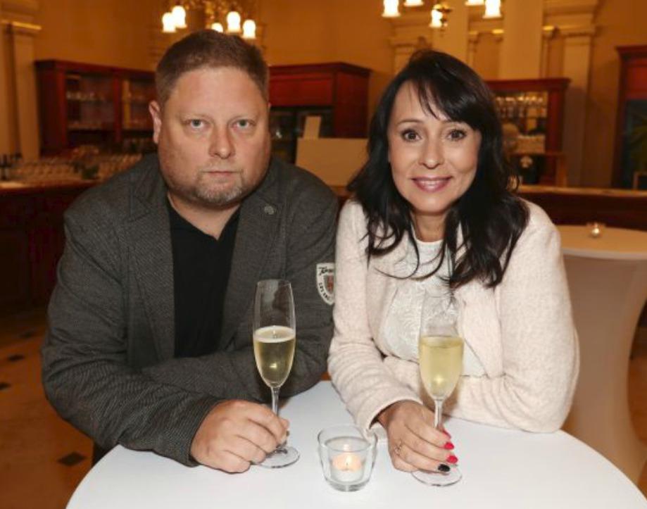 Adam Pavlík se svou »macechou« Heidi Janků vzpomínají na Iva Pavlíka často.