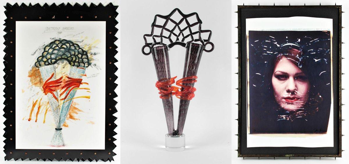 (zleva doprava) Návrh vázy – ručně kolorovaný tisk o rozměrech 100 x 70 cm, Autorská skleněná váza ruční výroby o rozměrech 70 x 37 x 12 cm, Fotografi e Jany Doleželové v kovovém rámu s celkovými rozměry s rámem 98 x 67 cm.