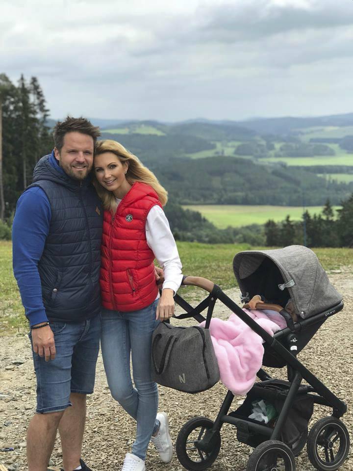 Sandra Parmová s rodinou