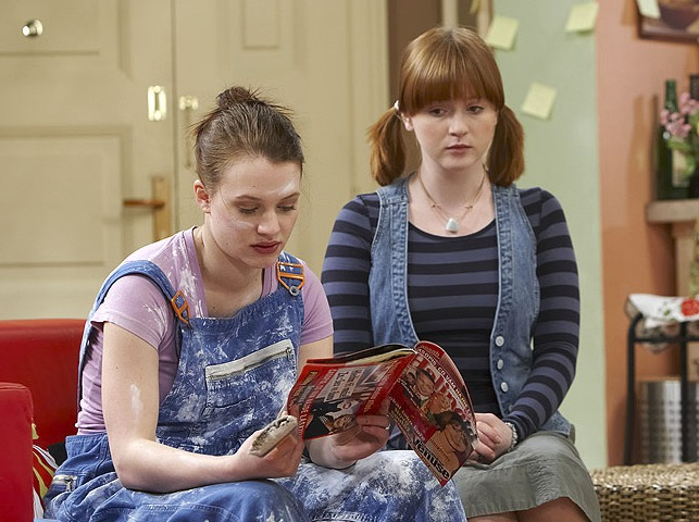 Kristýna Leichtová a Marie Doležalová jako Iva a Saša v Comebacku