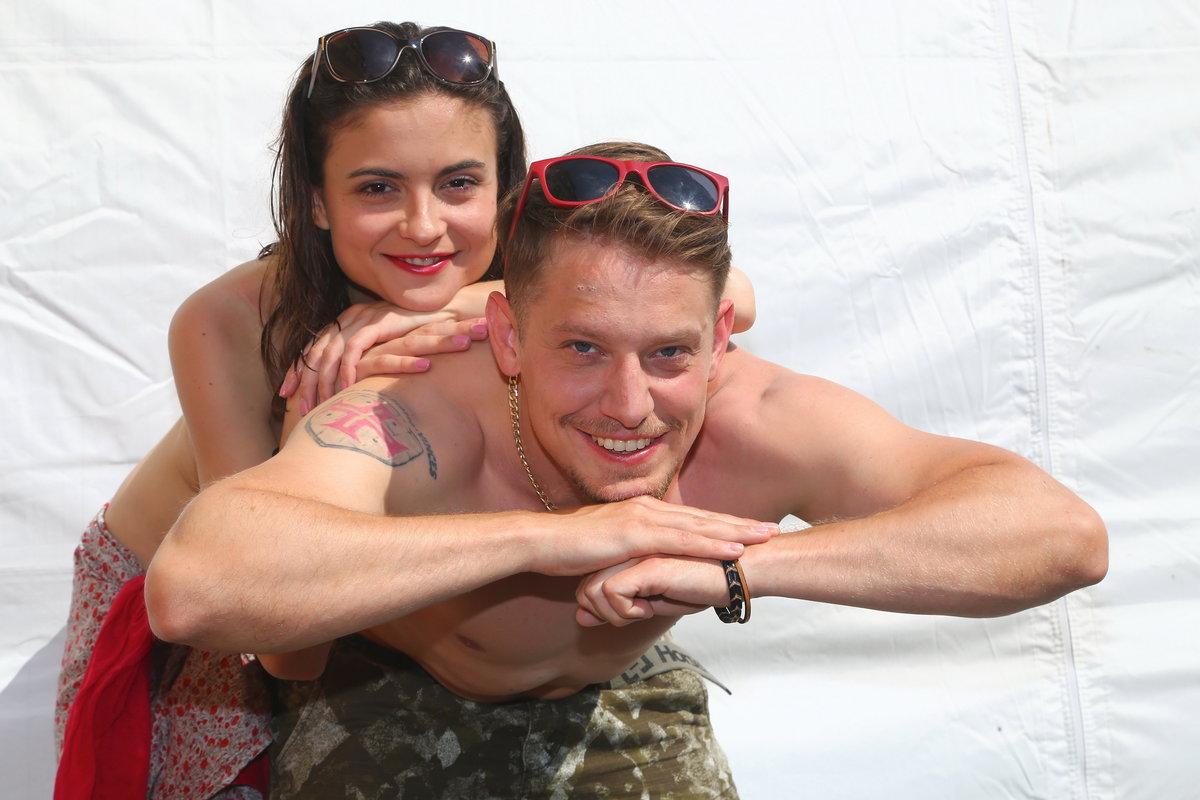 Eva Josefíková a Štěpán Benoni v seriálu Tátové na tahu