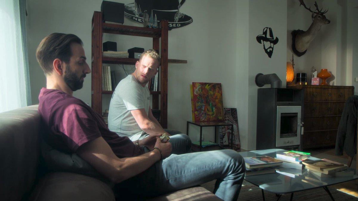 Jakub Prachař s kolegou Petrem Vaňkem v seriálu Tátové na tahu.
