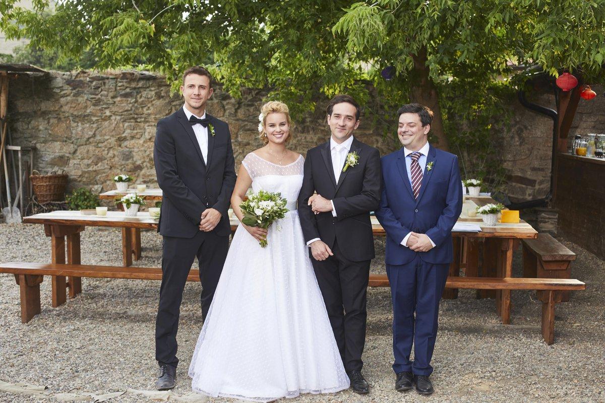 Svatba Terezy a Davida v Ulici:Jakub Štáfek, Patricie Solaříková, Matouš Ruml a Filp Rajmont