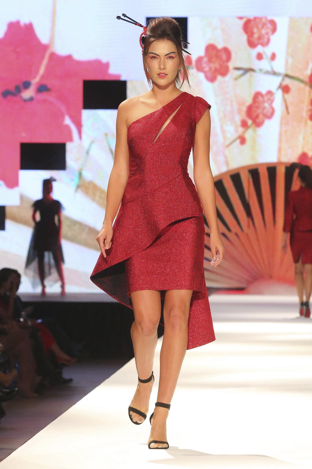 Přehlídka Natali Ruden v asijském stylu.