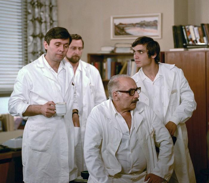 1977 Nemocnice na kraji města (s J. Abrhámem, L. Frejem, M. Kopeckým).