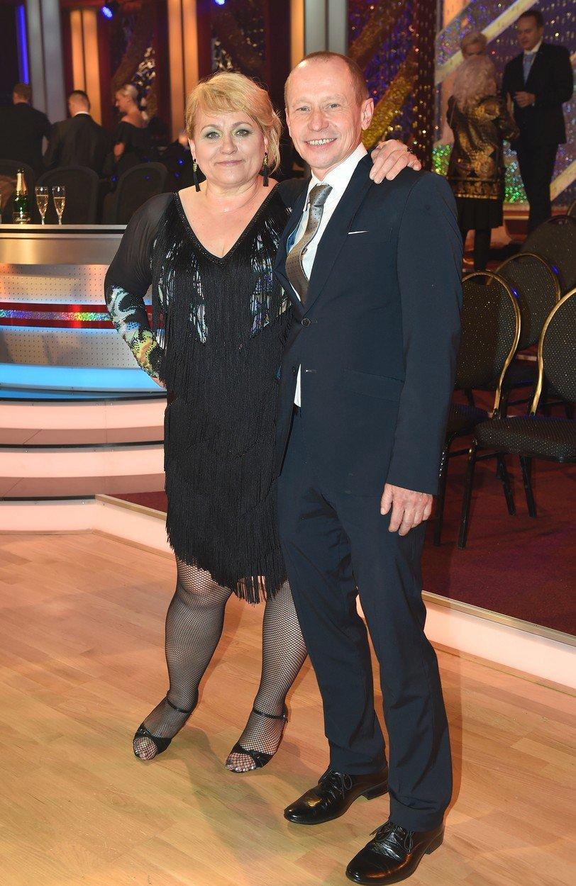 Sympatická herečka s manželem, Ondřejem Malým.