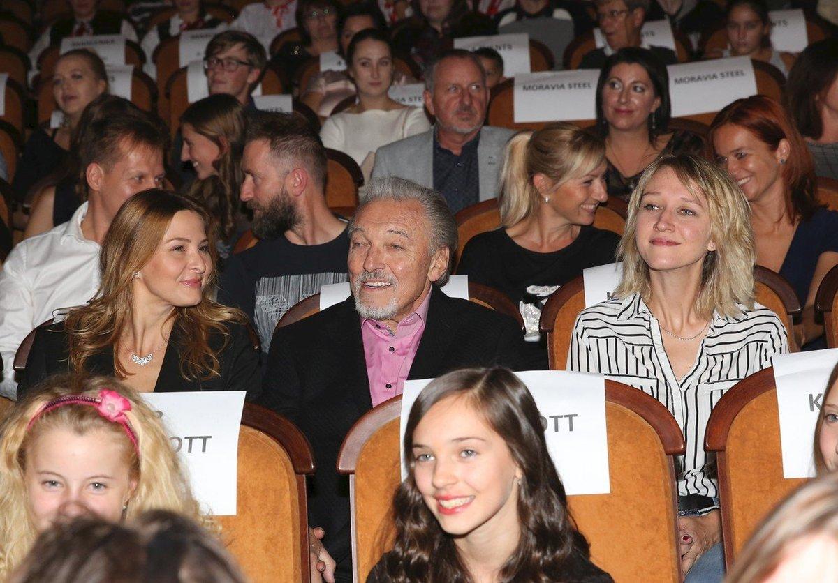 Karel Gott vedle dcery Lucie Kovaříkové