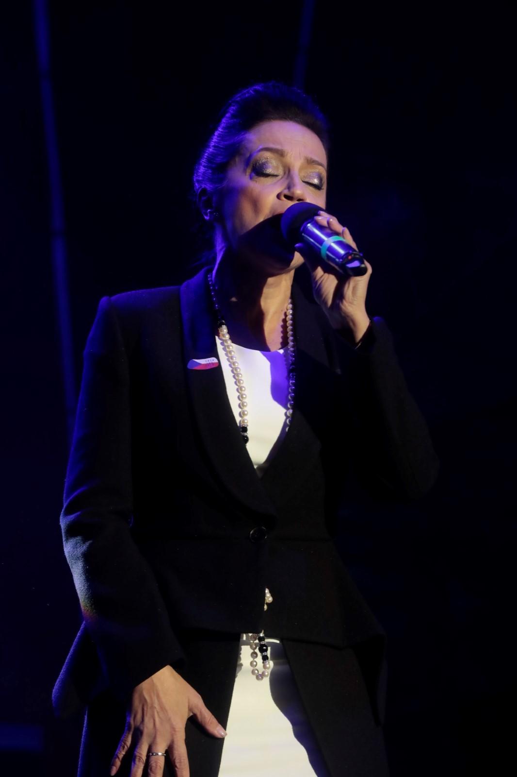 Lucie Bílá na koncertu k výročí 100 let Československa na Staromětském náměstí, 28. 10. 2018