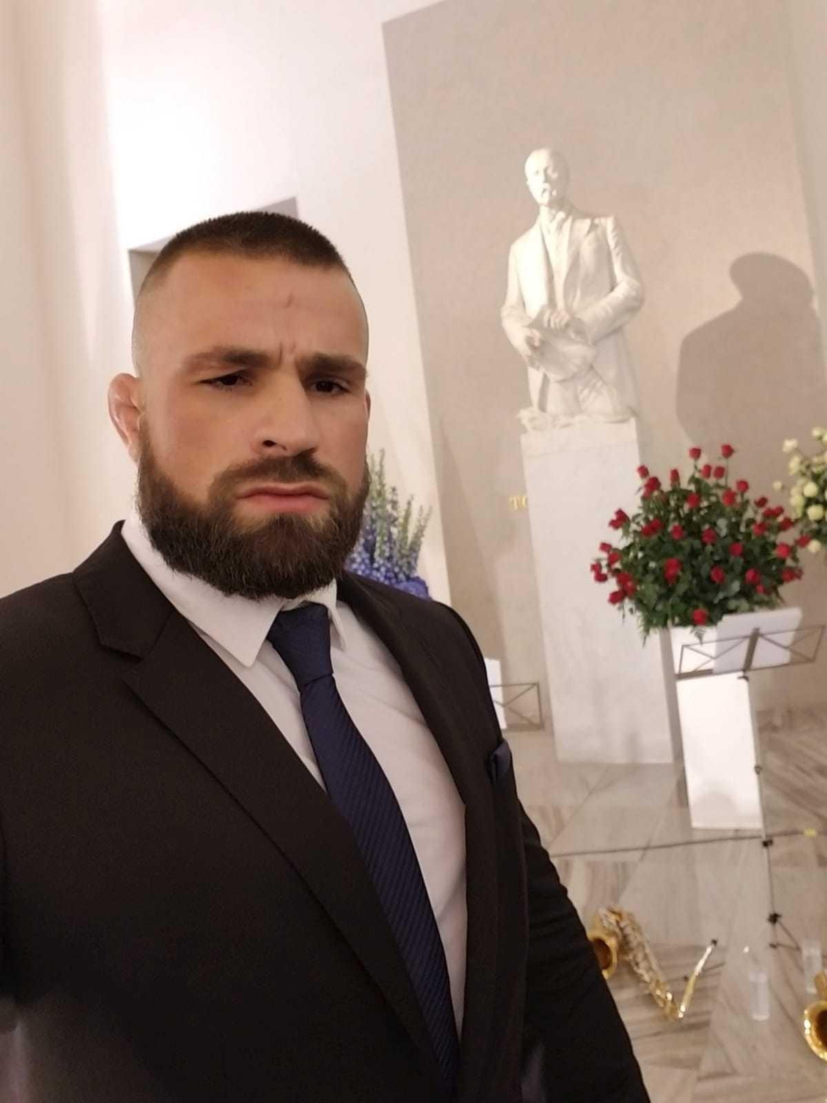 Karlos Vémola