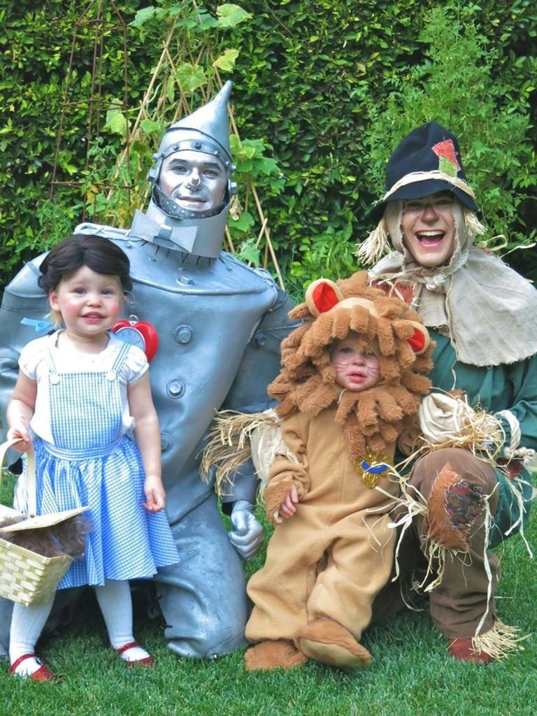 Neil Patrick Harris s manželem a jejich dvěma dětmi (2012)