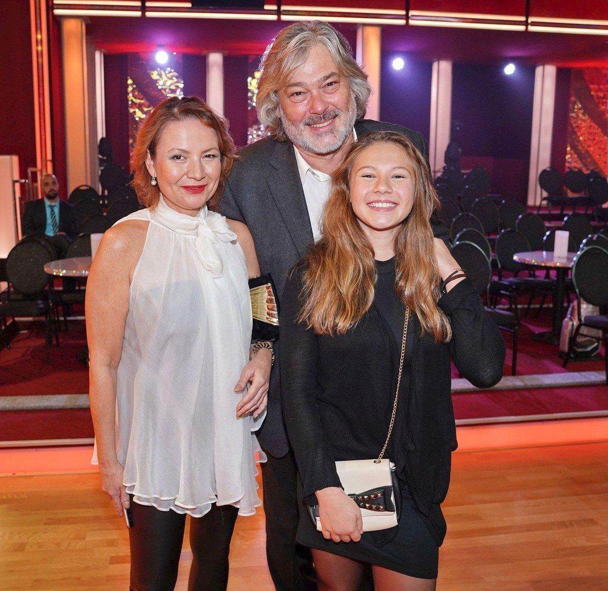 Jolana Voldánová s dcerou a manželem