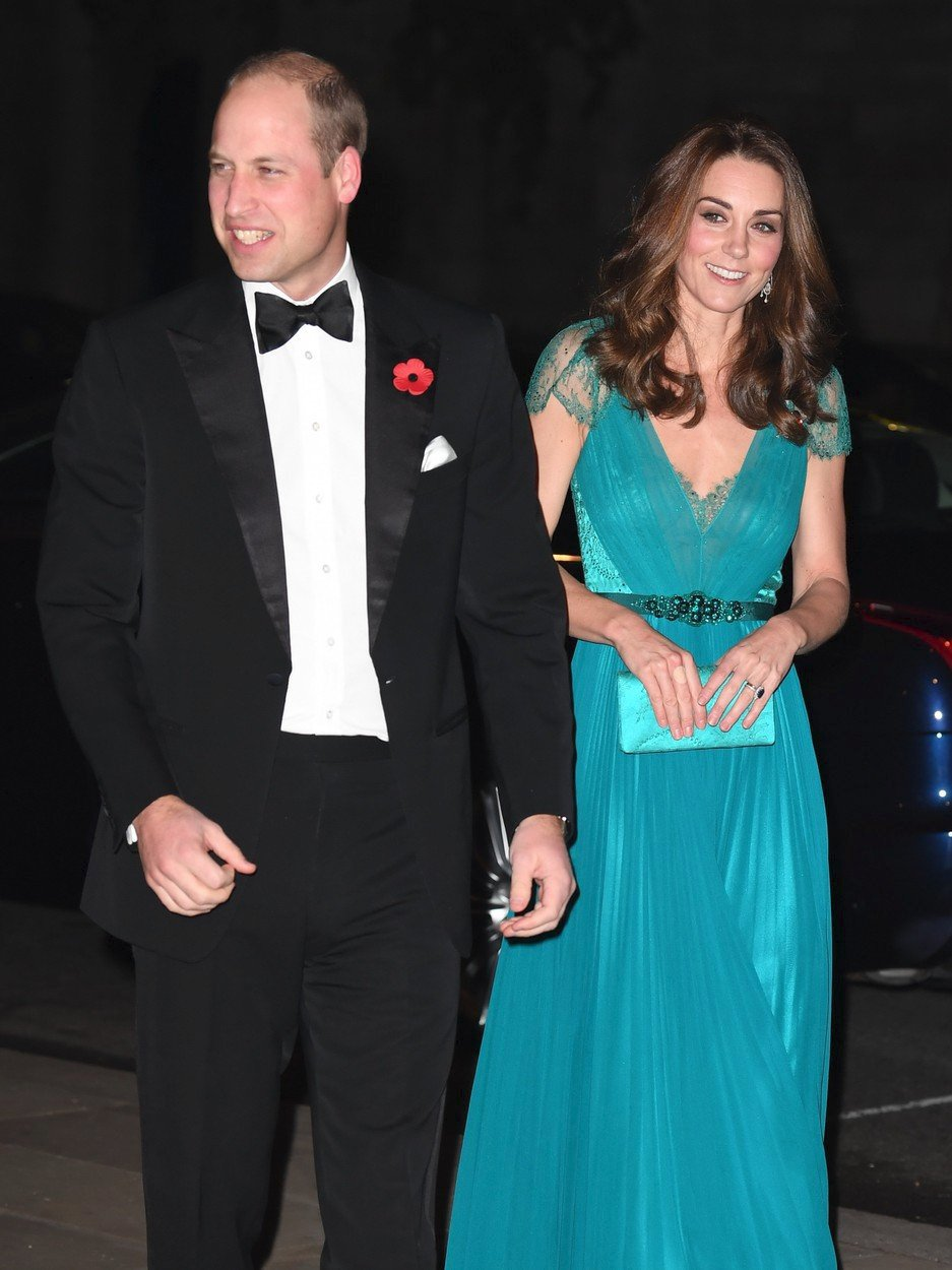 Vévodkyně Kate v šatech Jenny Packham v roce 2018.