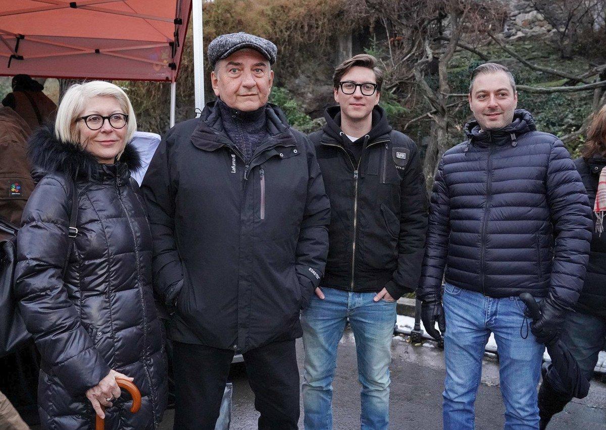 Miroslav Donutil s celou svou velkou rodinou