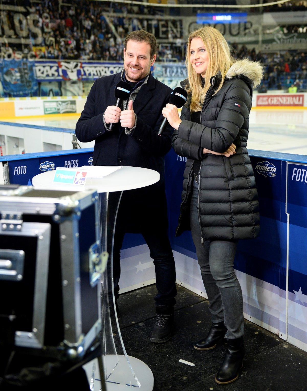 V přestávce utkání Kometa - Sparta vystoupila Lucie Šafářová ve studiu O2 TV Sport, zpovídal ji moderátor Jan Homolka