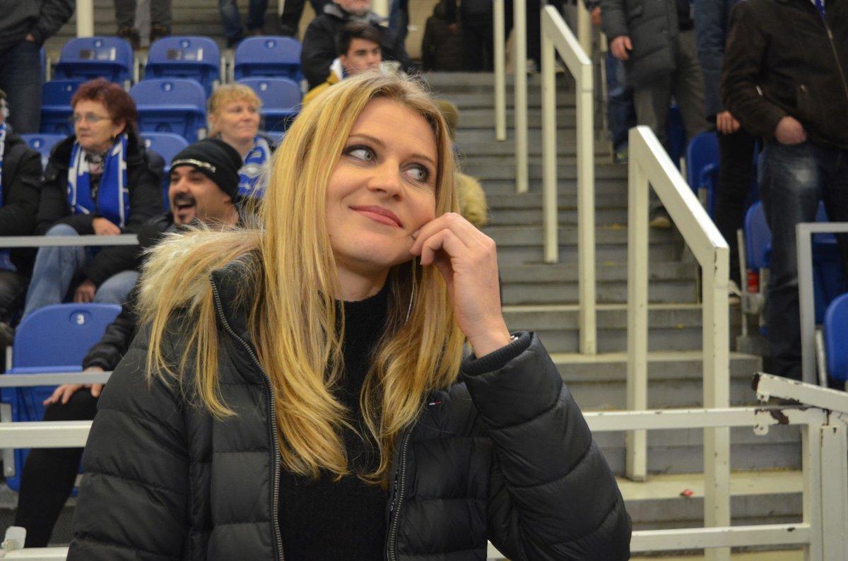 Lucie Šafářová se ve čtvrtek přišla podívat na extraligové utkání Komety, za kterou debutoval její přítel Tomáš Plekanec