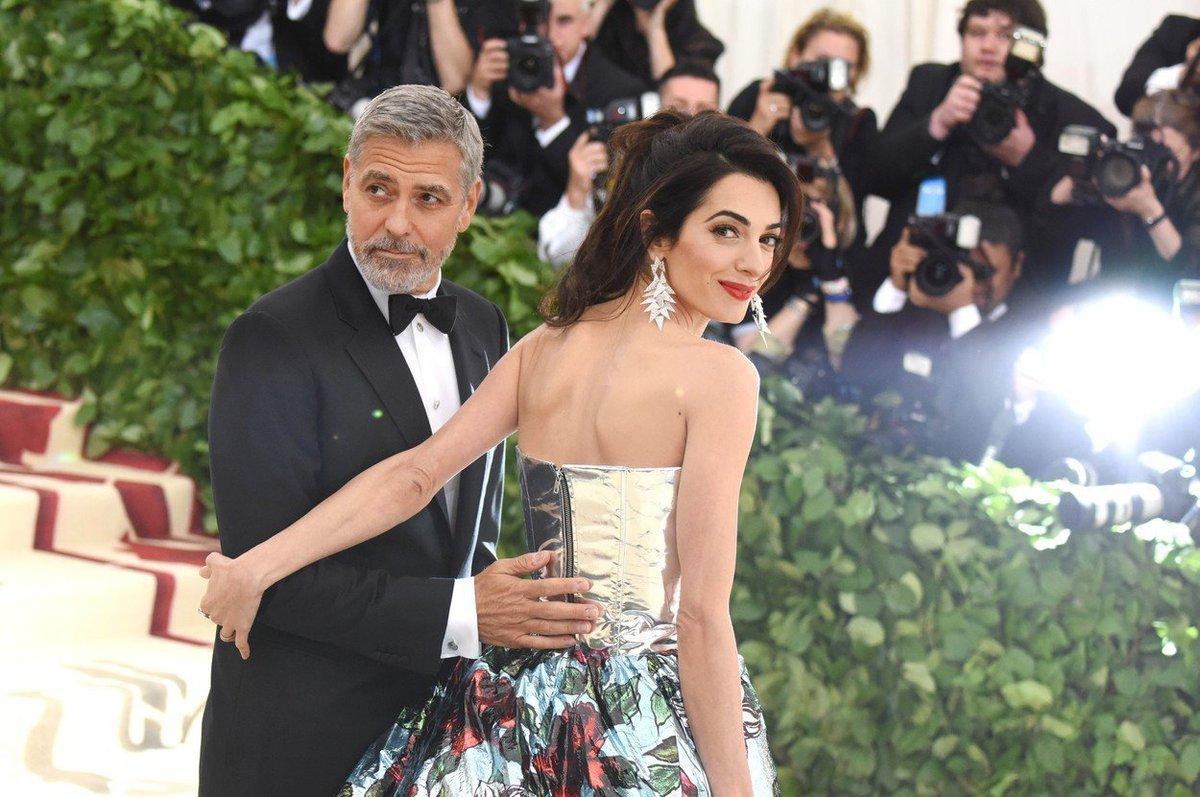 Amal a George Clooney zatím fotkami dětí šetřili