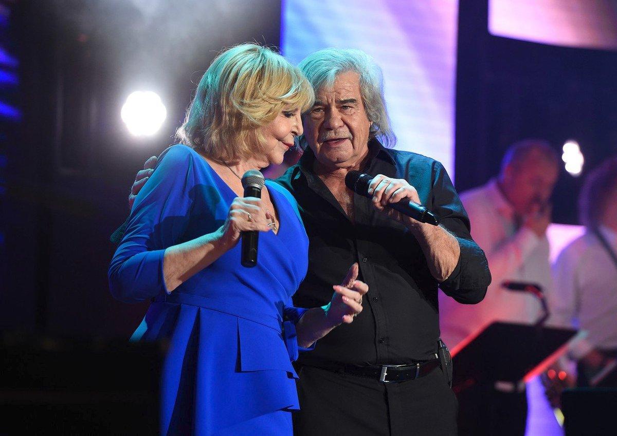 Hana Zagorová si během svého vánočního koncertu v Lucerně zazpívala s Petrem Rezkem
