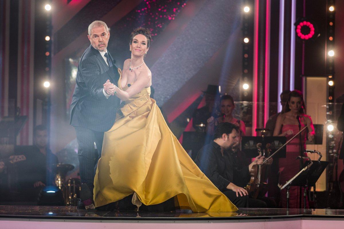 Moderátoři StarDance Marek Eben s Terezou Kostkovou