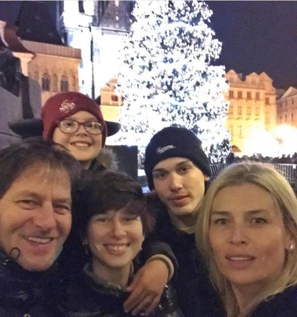 Daniela Peštová s rodinou
