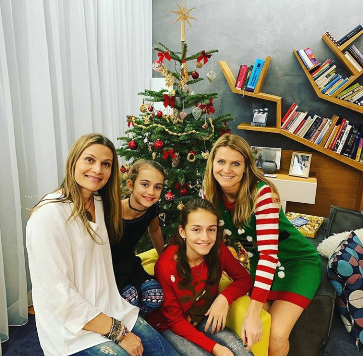 Tenistka Lucie Šafářová s rodinou