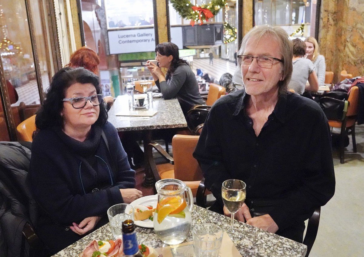 Rodiče Lucie Vondráčkové na premiéře filmu Beyond Her Lens (Mimo objektiv).