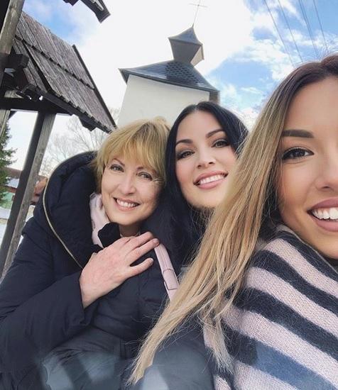 Tři generace Christových - Ivana s maminkou a dcerou