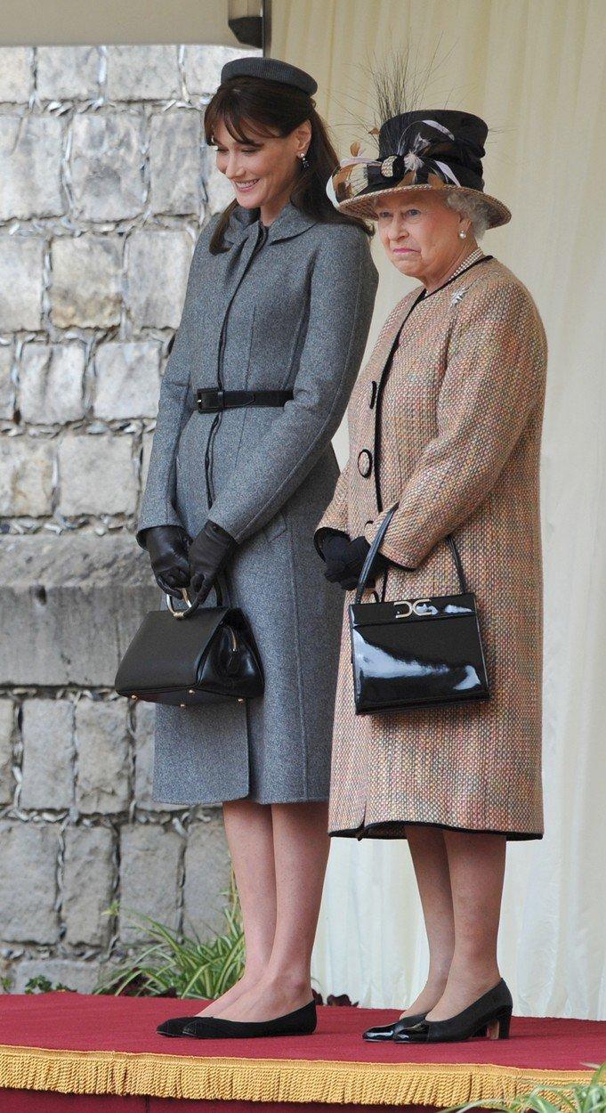 Královna Alžběta II. a vévodkyně Kate