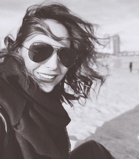 Veronika Arichteva s rovnými zuby.