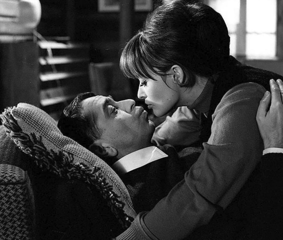 Ženu ani květinou neuhodíš, 1965