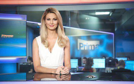 Sandra moderuje Opolední zprávy na TV Prima