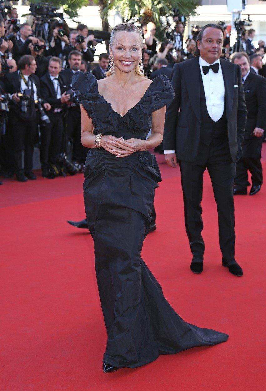 Pamela Anderson v Cannes