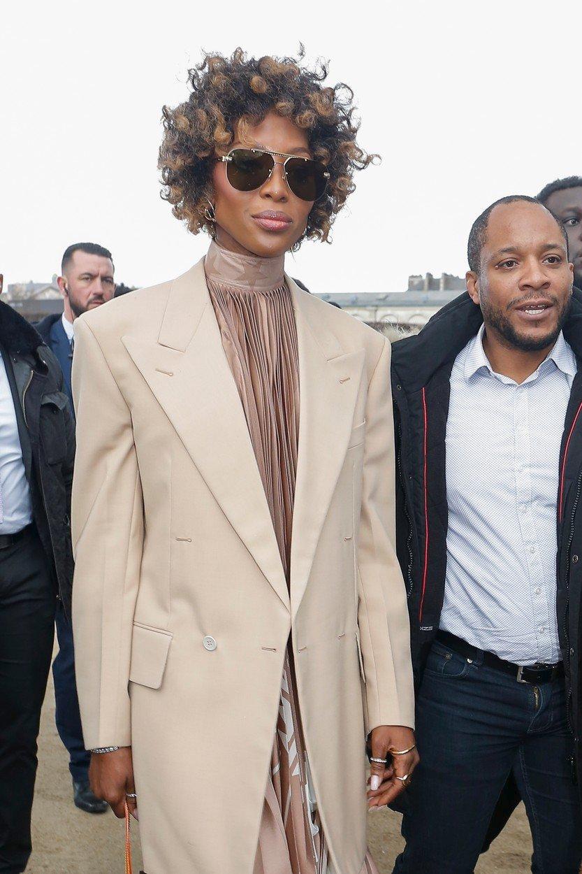 Modelka Naomi Campbellová v Paříži na Fashion weeku