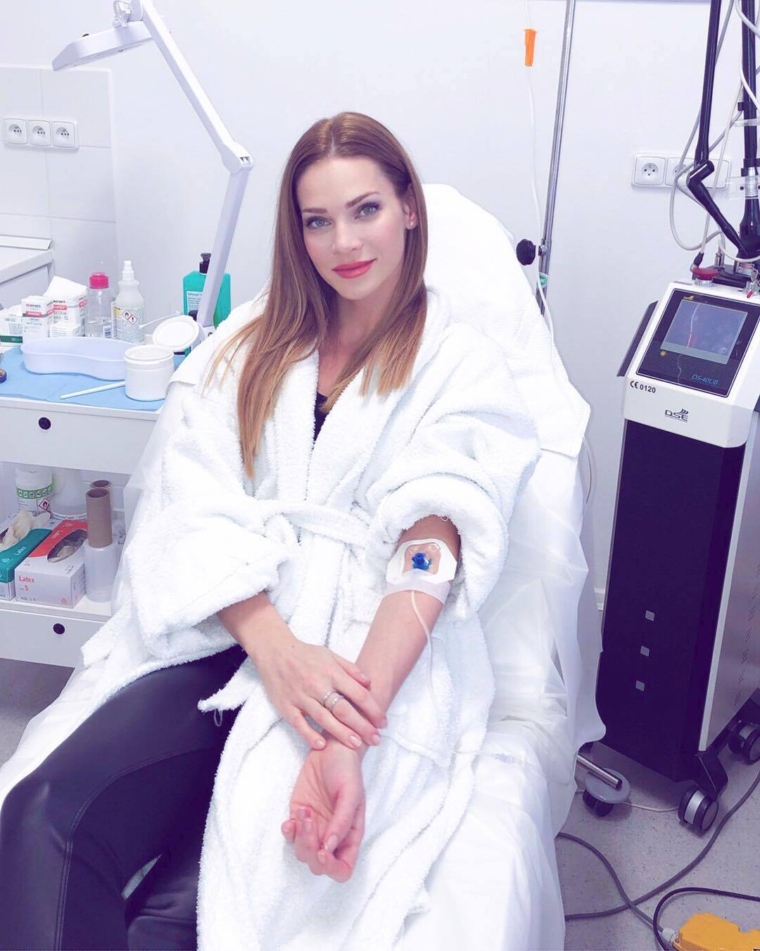 Andrea Verešová teď propaguje vitamínové transfúze