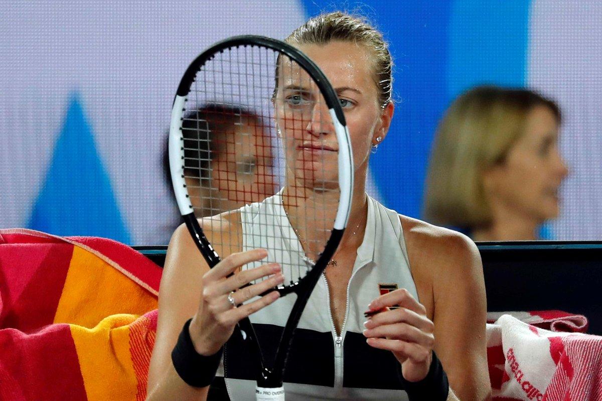 Nevyšlo to... Petra Kvitová smutní po prohře ve finále Australian Open s Japonkou Naomi Ósakaovou