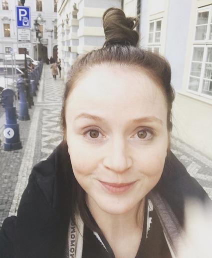 Marie Doležalová jako brunetka